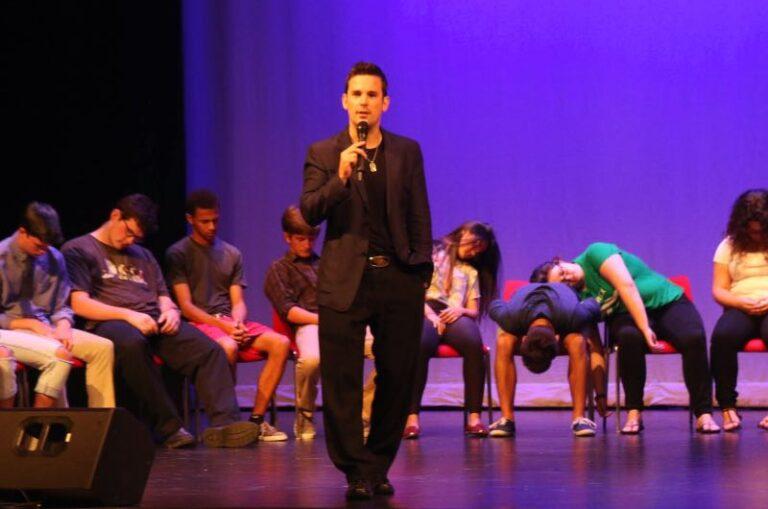 college hypnotist show